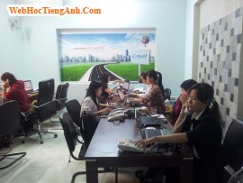 Situation 22: Giving Out Greetings - Business English for Workplace, 305, Uyên Vũ, Academy.MuaBanNhanh.com, 10/09/2013 16:21:10